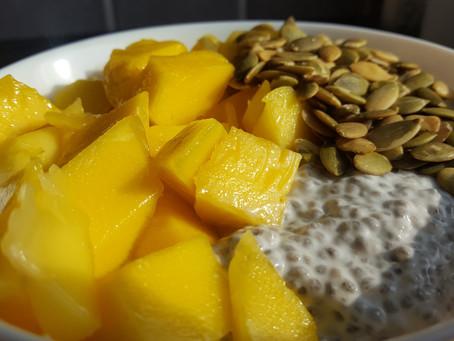 Chiapudding with fresh mango & roasted pumpkin seeds