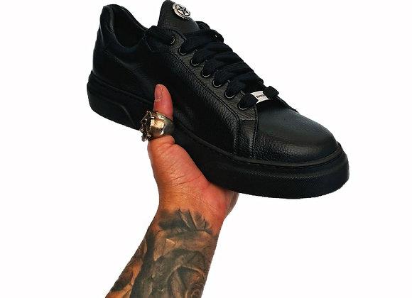 Urban Sneaker Blackout
