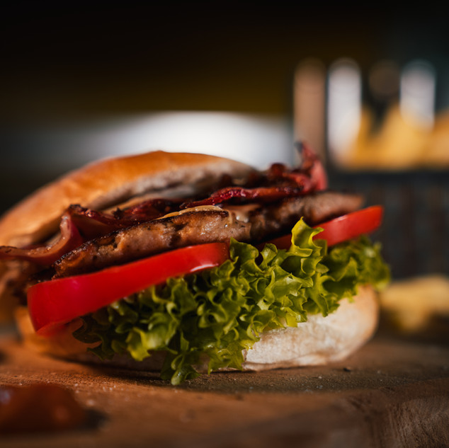 Tonis American Burger