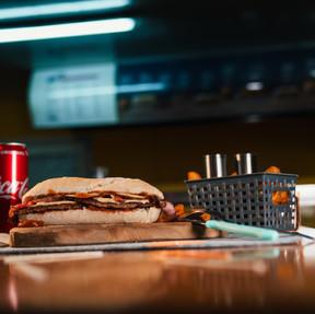 Tonis Spezial Burger