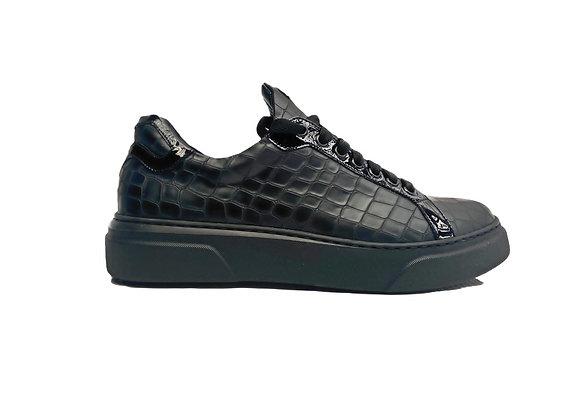 Urban Sneaker Snake