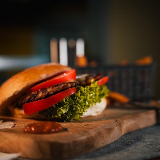 Tonis Amercian Burger