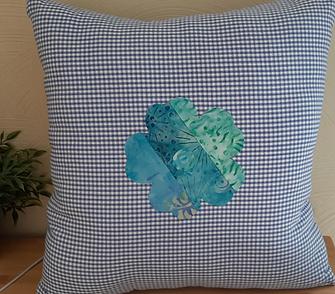 Flower pillow.png