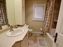 560839_bathroom_1