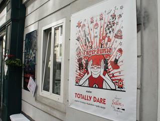 """Eindrücke von der Eröffnung der Ausstellung """"TOTALLY DARE im Kleinen Salon für Illustration&quo"""