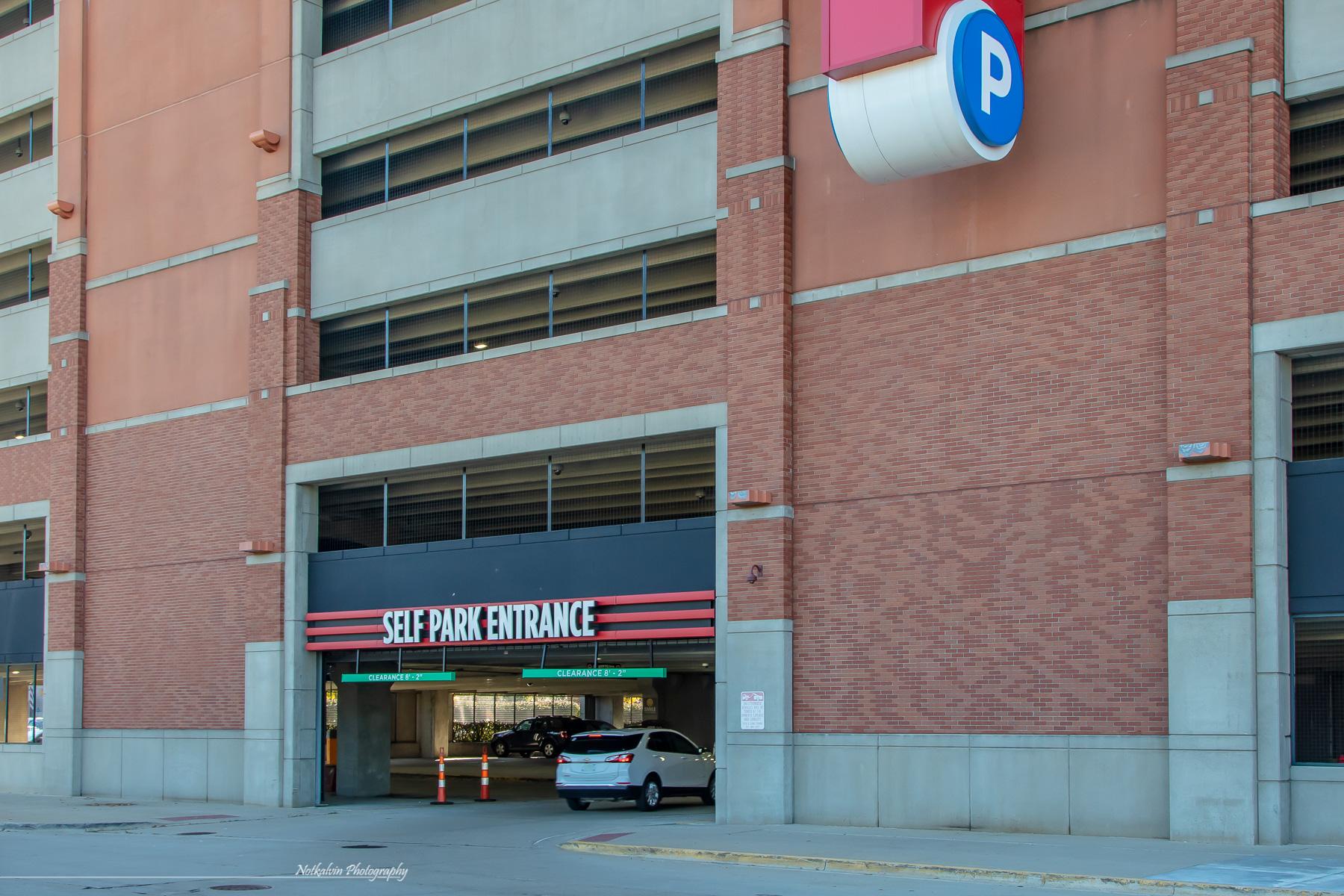 375 Garage entrance - 1z3a8696
