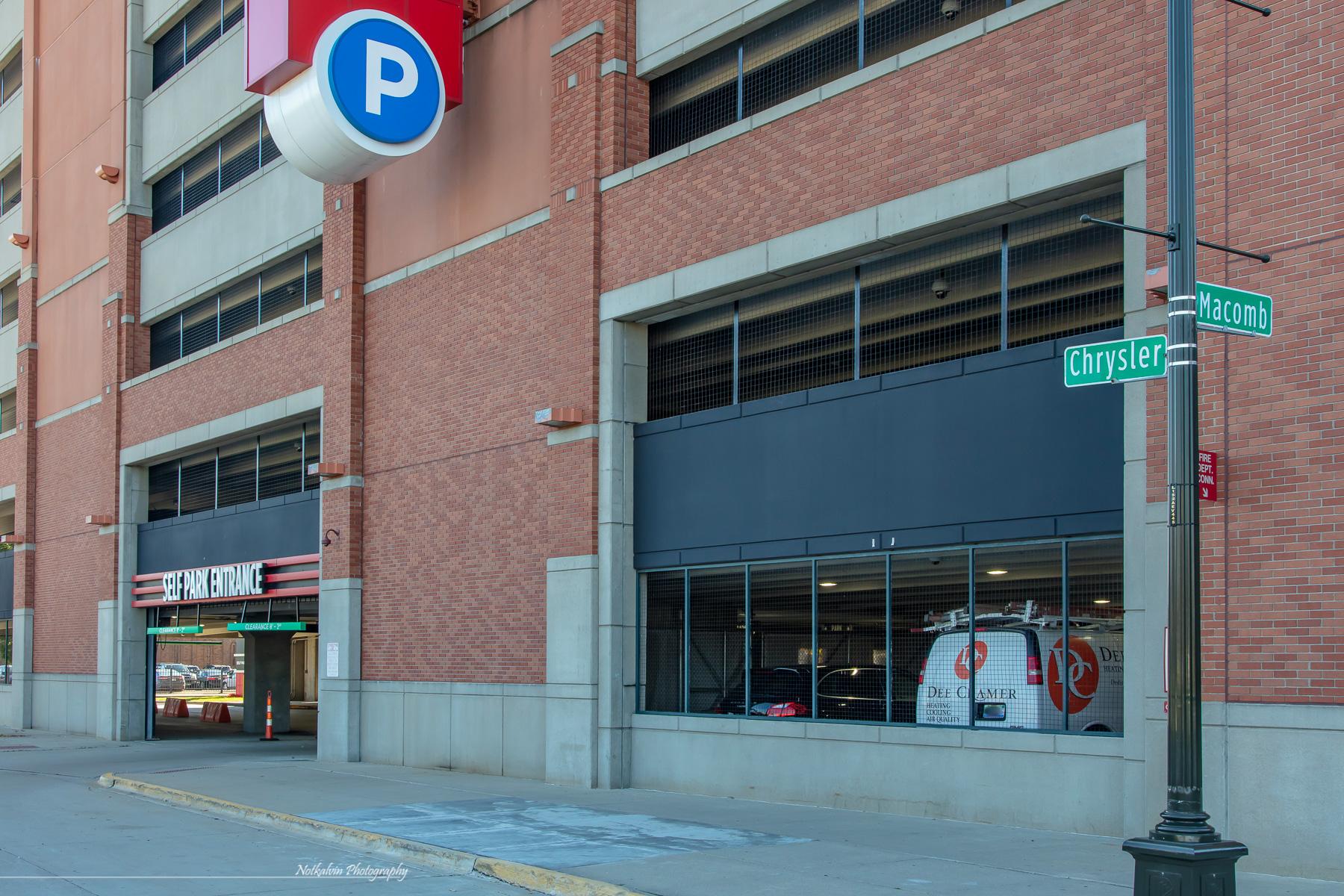375 Garage entrance - 1z3a8699