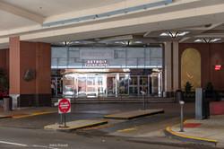 Valet parking entrance - 1z3a8592