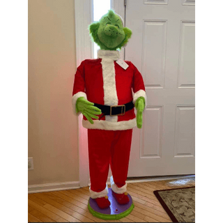 GRINCH STATUE 5FT.png