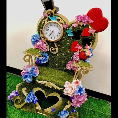 Throne Baby Alice in Wonderland