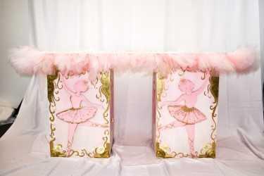 Theme Ballerina Pink Table