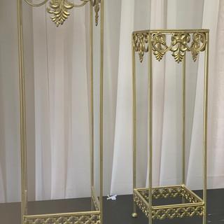Column Royal Crest
