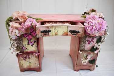 Theme Butterfly Console Table