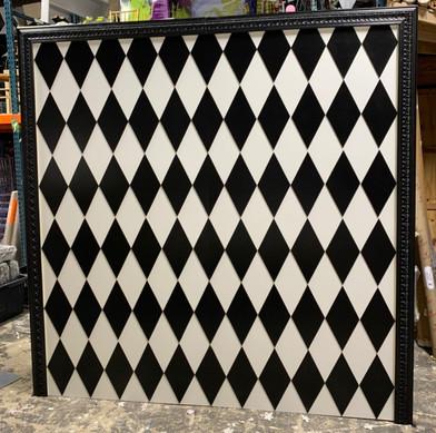 Diamond Black White Wall