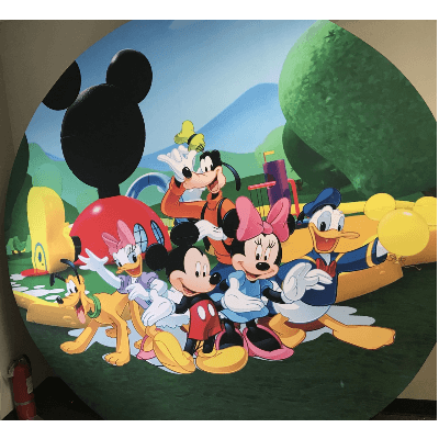 MICKEY MOUSE CLUB HOUSE ROUND WALL W CLO