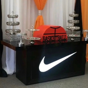 Nike Table