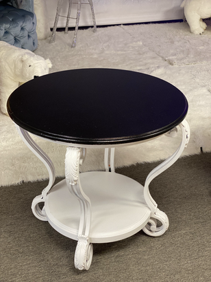 Side Table Round Curved Legs