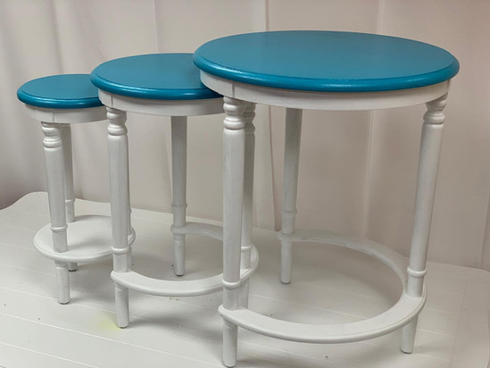 Nesting Tables Round