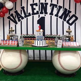 Baseball Theme Table