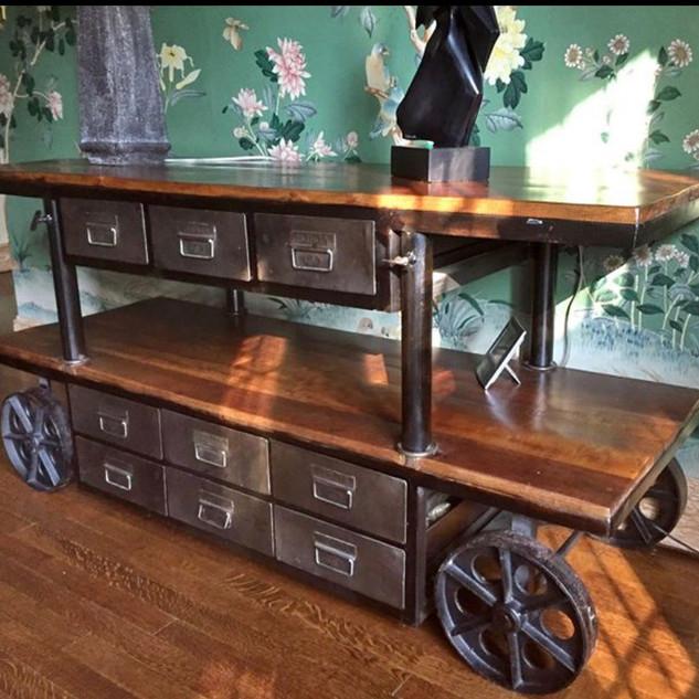 Theme Rustic Wagon Wheel Table