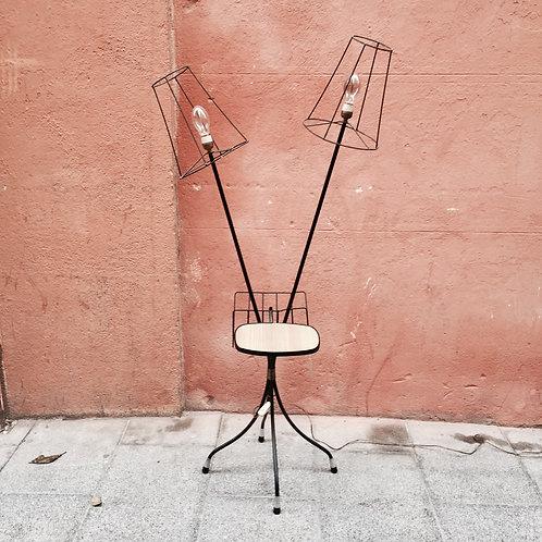 Lámpara Revistero