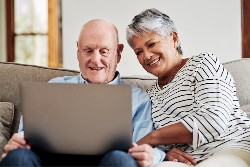 Couple review their Medicare Advantage options