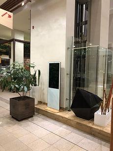 """OÜ Novaver rendi tooted - 43"""" android ekraanitootem restoranidele ja kohvikutele"""