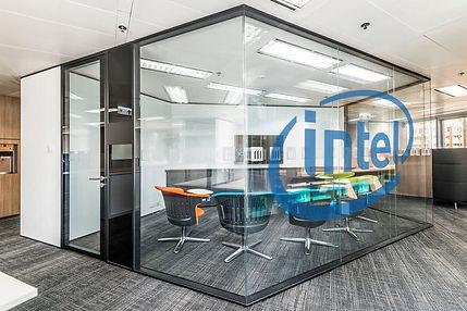Kontori ja ettevõtete ekraanilahendused klaasidel!