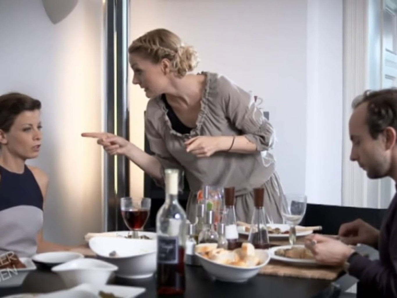 Knallerfrauen | Alter Hausfrauentrick