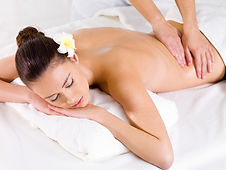 Massage_Rücken_572kb_300dpi.jpg