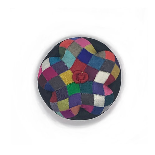 Round Pin Cushion 1