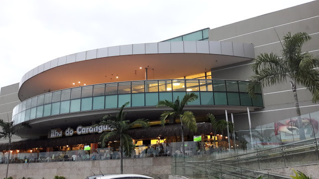 Ilha do Caranguejo Shopping Boulevard