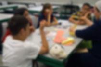 ילדים לומדים אנגלית דרך משחקים