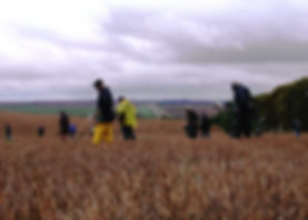 Kym relaying competition rules to the metal detecting competitors.JPG