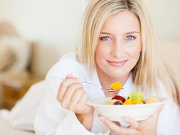 Ce trebuie să consumi la micul dejun dacă vrei să scapi de kilogramele în plus!