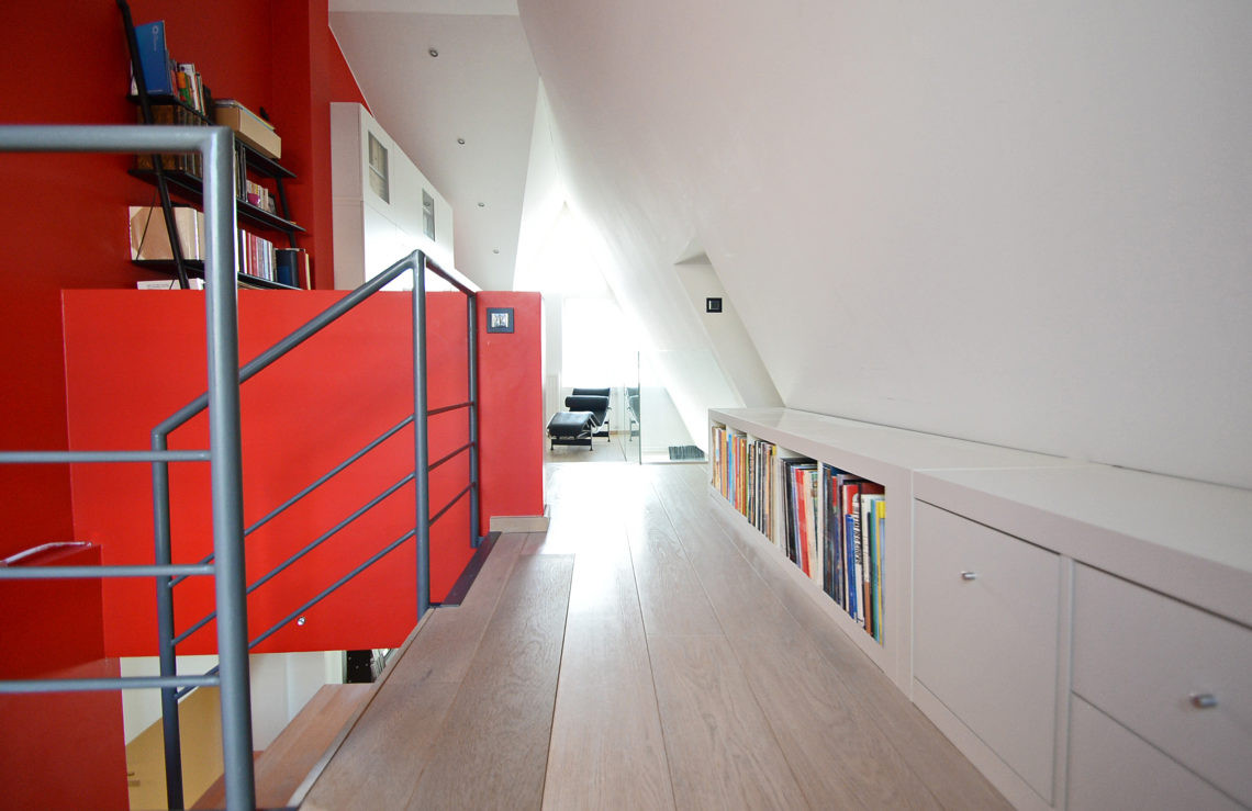 Accès bureau mezzanine et chambre parentale