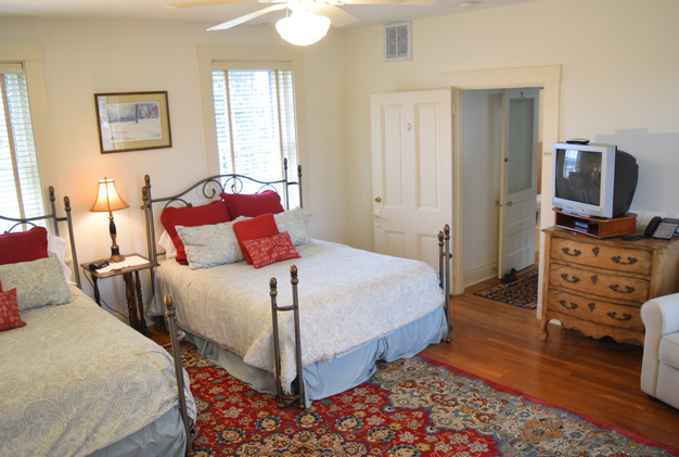 Bedroom 3 d.JPG