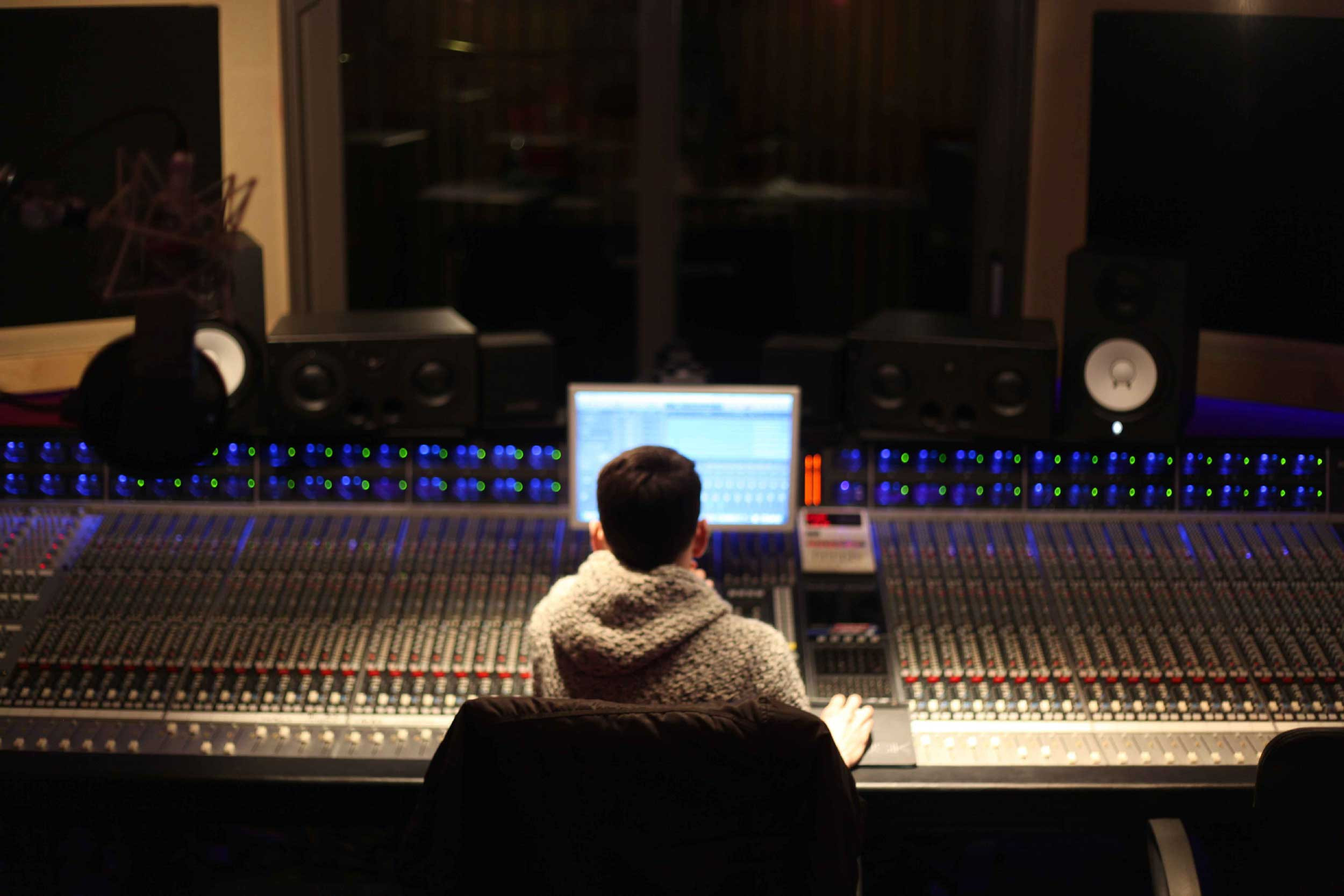 1 Professional Mixing and Mastering Services | Audio Mixing Mastering