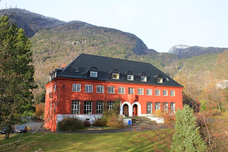 Kunstnarhuset Messen Residency – Ålvik, Norway.