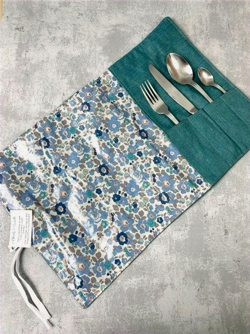 Etui à couverts et set de table intégré - Liberty Betsy enduit bleu/gris