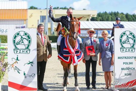 Łukasz Appel won Polish Young Horses Championship Dżonków 2017!