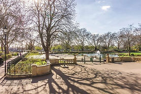 image of ornamental lake at bishops park