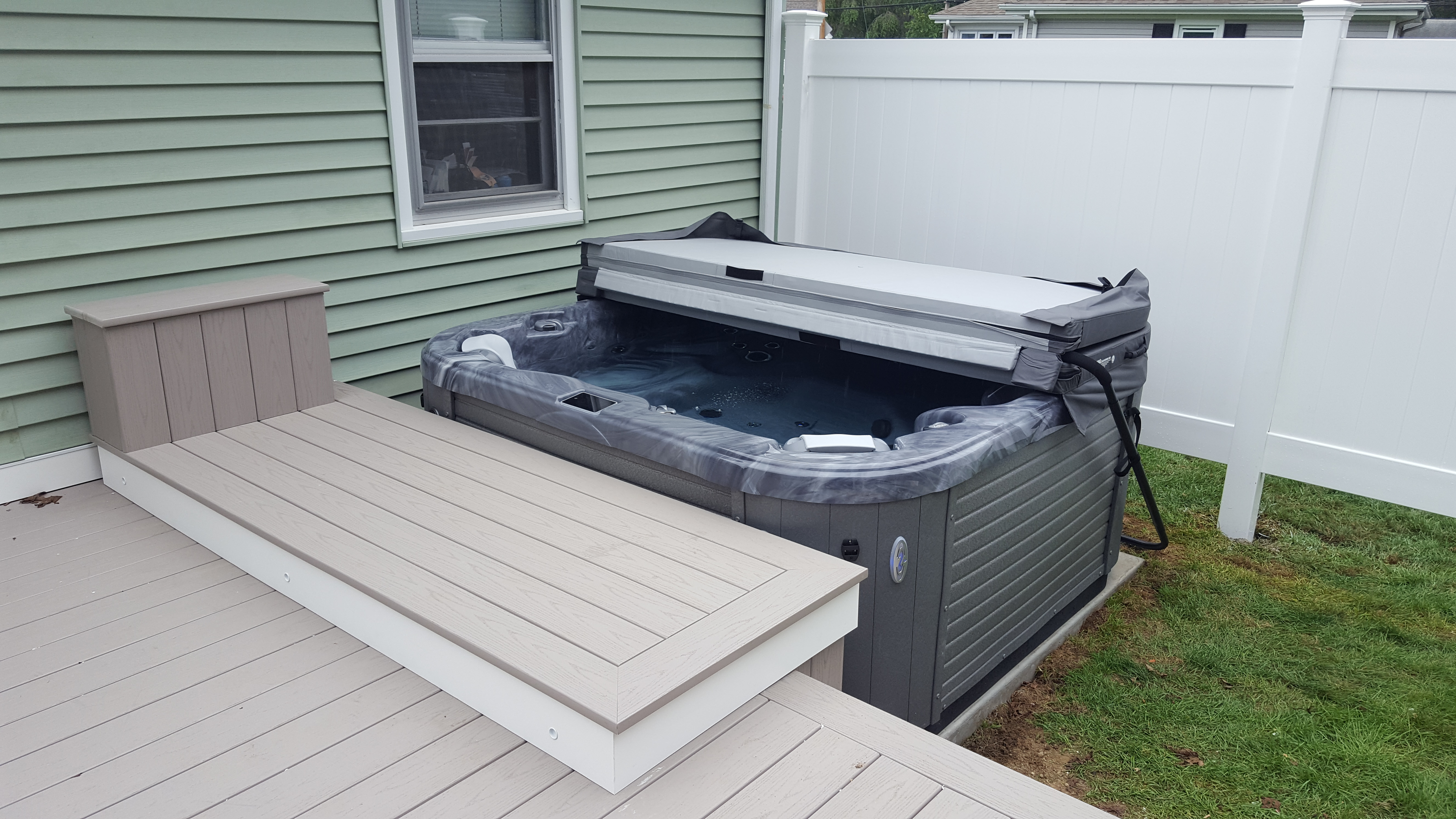 Composite Deck & Hot Tub