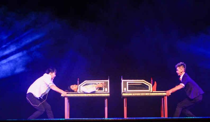 強尼魔術娛樂-大型魔術表演