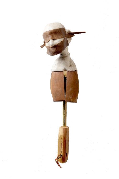 Medrano Shoetree - Masked