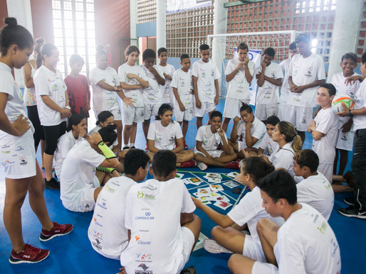 Alunos participam da Oficina de Alimentação Saudável no Conecta Vôlei em Santos!