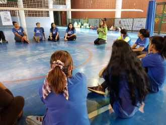 Integração entre as turmas de Qualificação e Oficina de Vôlei acontecem no Conecta Santos