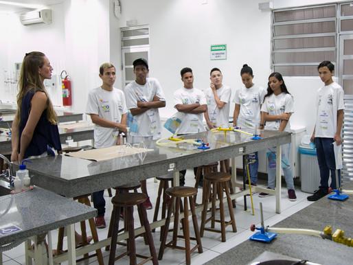 Faculdade São Judas campus unimonte  recebe alunos do Conecta Vôlei na cidade de Santos