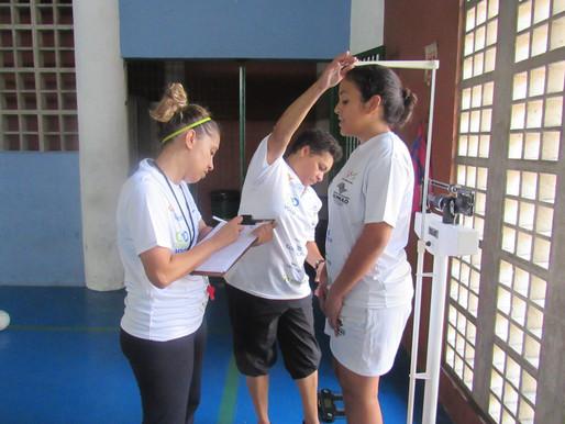 Conecta Vôlei realiza testes físicos nos alunos em Santos, confira!