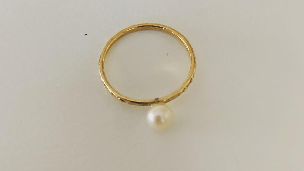 Pretty Pearl Ring